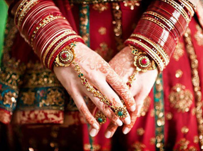 4.	Even if you are not a Punjabi, the girl must wear a chooda when accompanying her husband to honeymoon or the sabzi wala.