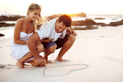 5.	For girls: it is a must that you wear something shorter and tighter when on your honeymoon. For guys: Play it cool with tee shirts and shorts and flip flops.