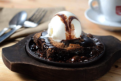 6. Hot chocolate sizzling brownie